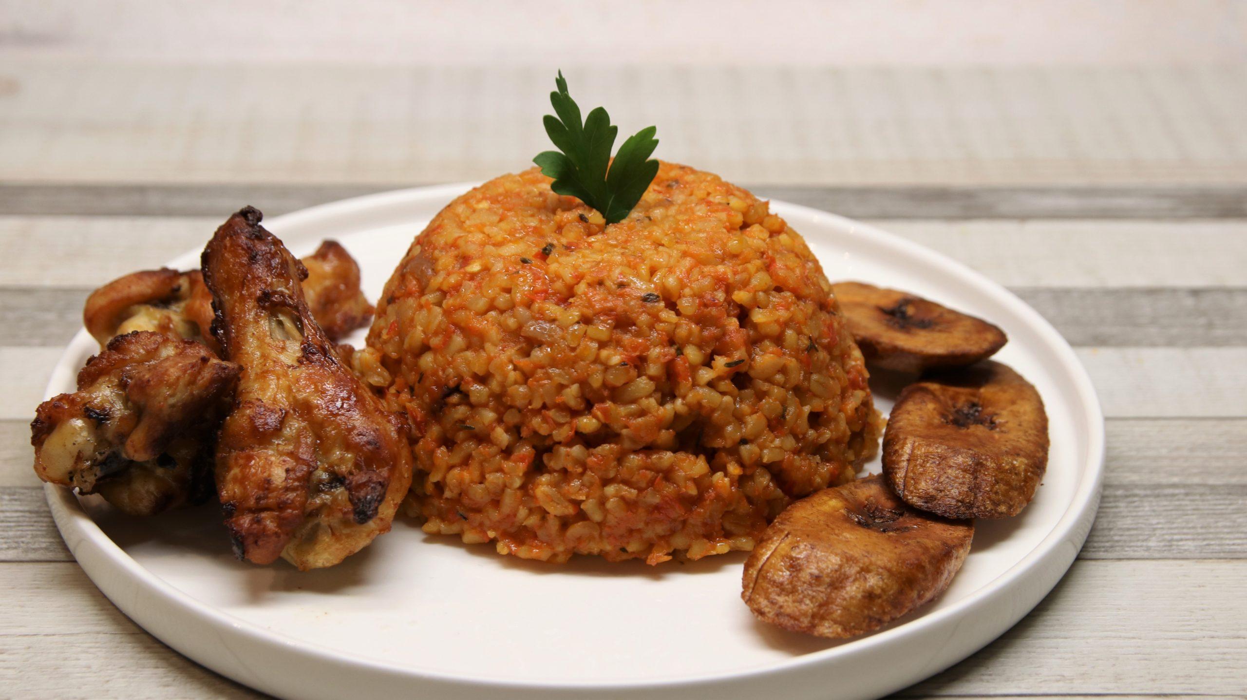 Jollof Bulgur with Chicken and Plantain